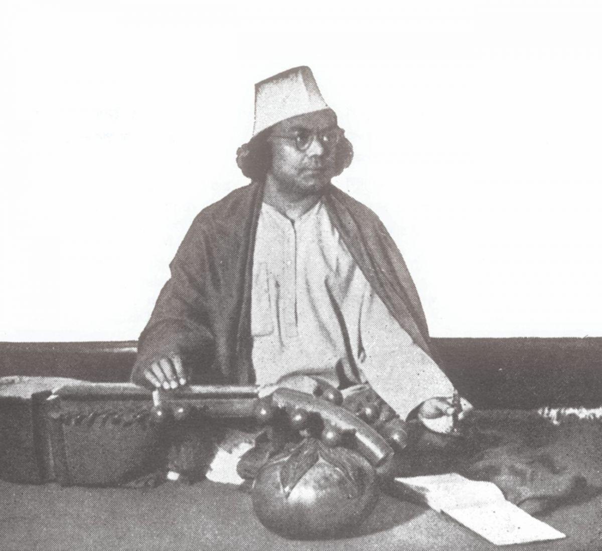 কাজী নজরুল ইসলাম। ছবি: দ্য ডেইলি স্টারের অনলাইন ভার্সন থিকা নেয়া।